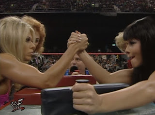 WWF Insurrexion 2000 - Teri Runnels faced The Kat in an arm-wrestling contest