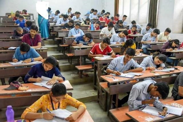 وزیر تعلیم شفقت محمود  نے فیصلہ کر دیا  کہ تمام کلاسوں کے امتحانات ہر صورت ہوں گے