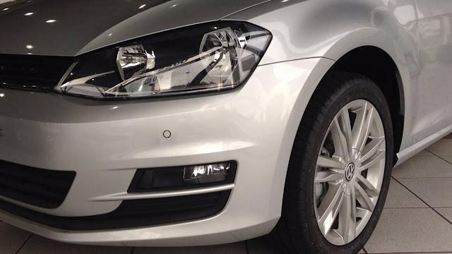 VW Golf 2016 Automático - sensor de estacionamento dianteiro