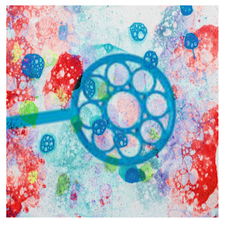 Make bubbles for kids using Kool-aid!  These bubbles are so colorful, making them great for arts, crafts, and sensory play. #koolaidbubbles #scentedbubbles #homemadebubbles #bubblesforkids #bubbles #bubblesrecipe #bubbleart #bubbleactivitiesforkids #bubblepainting #bubbleprints #koolaidrecipes #koolaidhacks #growingajeweledrose
