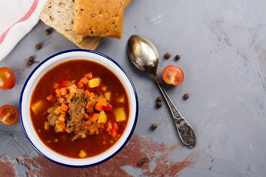 wegierska-zupa-gulaszowa