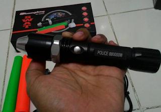 Senter Police Swat 880000w saat memakai Corong Batu Cincin