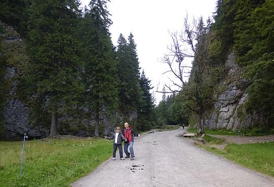 Dolina Kościeliska. Niżnia Kościeliska Brama (Brama Kantaka).