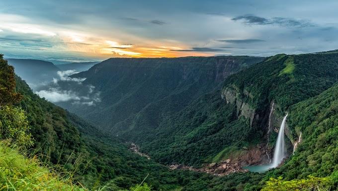 Nohkalikai fall Meghalaya,India