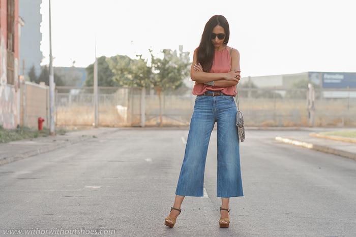 Bloguera influencer española de Valencia combina prendas de zara con zapatos de diseñadores