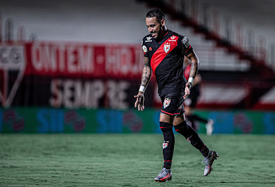 Recuperado, Natanael reforça Atlético Goianiense e crê em Vasco fortalecido após chegada de Vanderlei Luxemburgo