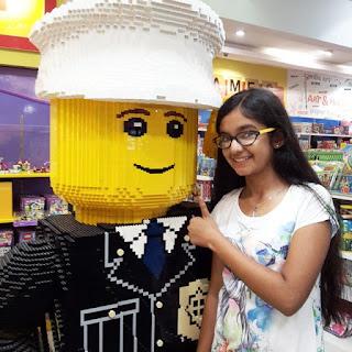 Anushka Sen in Shopping MAll