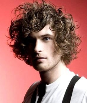 Potongan rambut pria terbaru curly 2018
