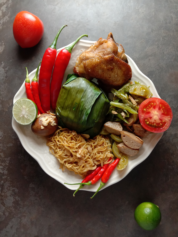 Nasi Kotak Ayam Goreng Telur Bacem Mie Oseng Buncis Semarang
