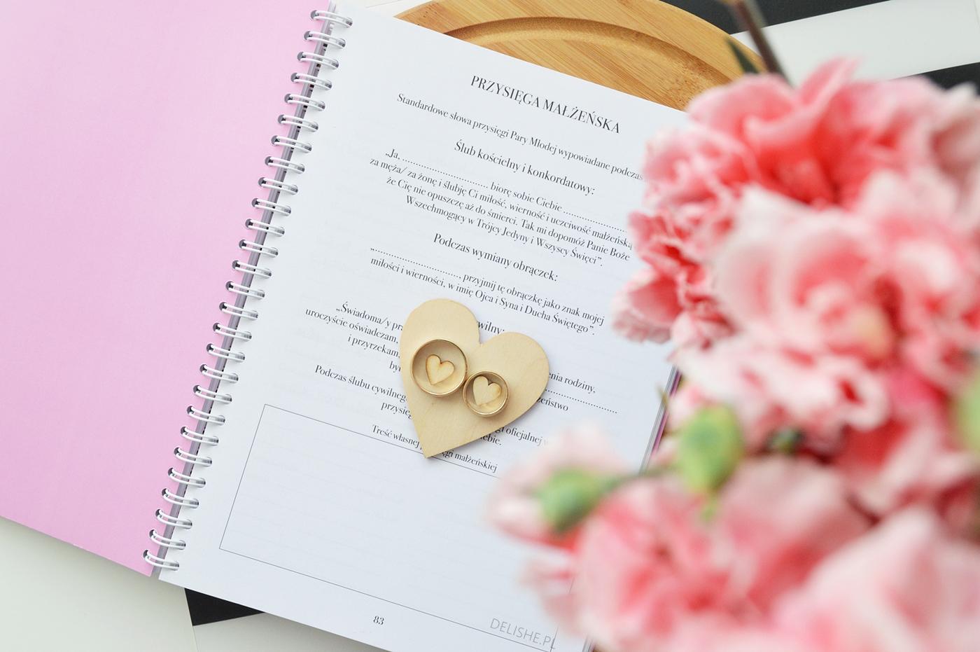 niezbędnik panny młodej organizer ślubny środek