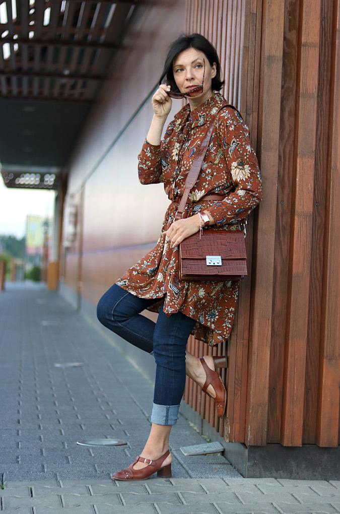 Sukienki noszone do spodni