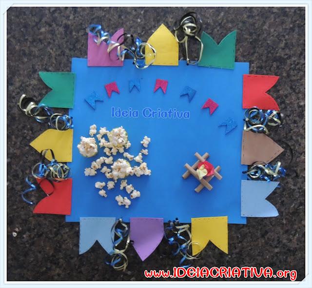 Decoração Festa Junina Toalha de Bandeirolas e Fitilhos