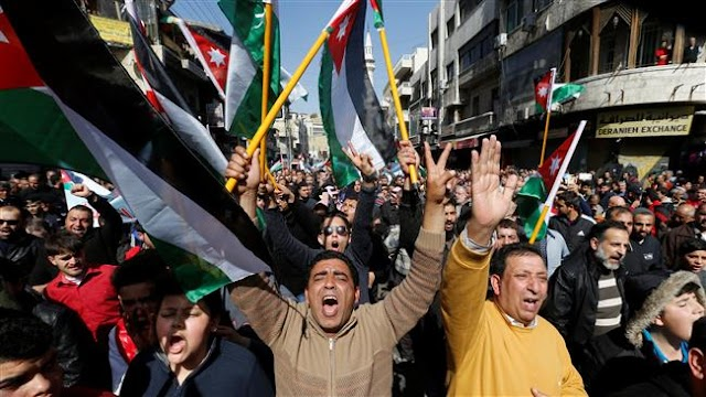 Hundreds of Jordanians protest against recent tax, price hikes