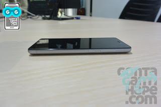 Xiaomi Redmi 3 Black - sisi kanan terdapat volume rocker dan tombol power