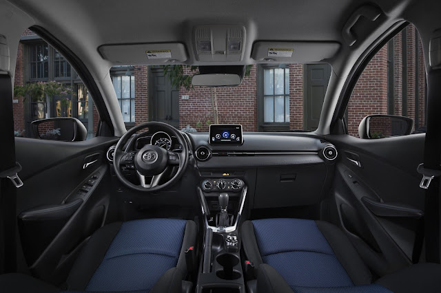 Interior view of 2017 Toyota Yaris iA