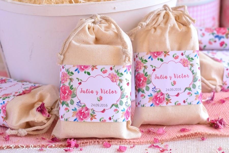 Detalles de boda saquitos con jabones naturales karite