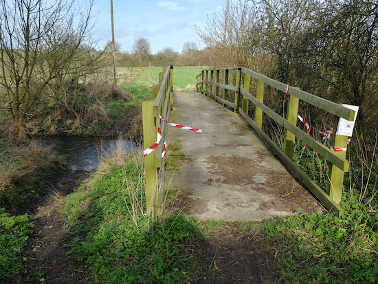 If the footbridge over the River Ash is still closed, take the detour mentioned above  Image by Hertfordshire Walker released via Creative Commons BY-NC-SA 4.0