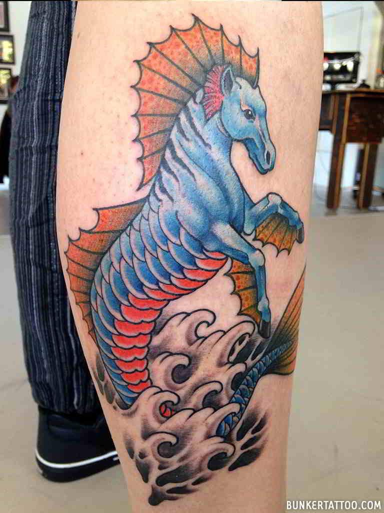 Tatuaje de caballo con cuerpo de sirena