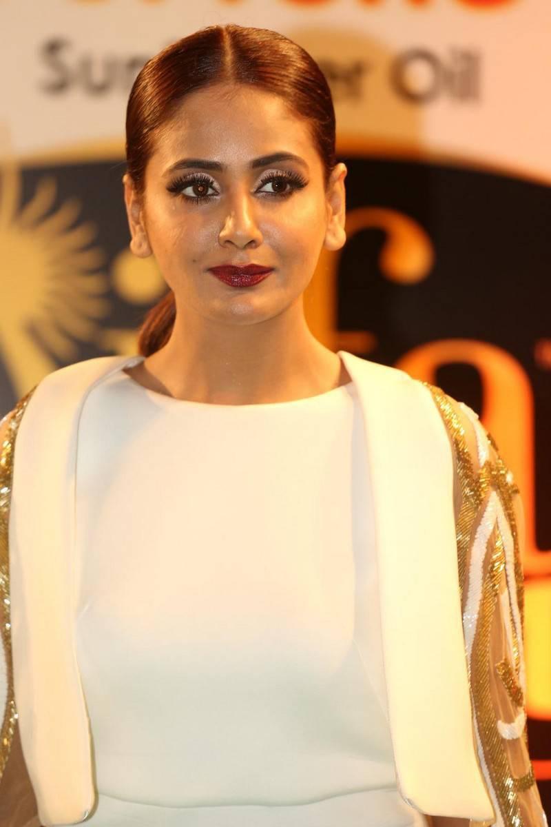 Parul Yadav In White Dress At IIFA Utsavam Awards