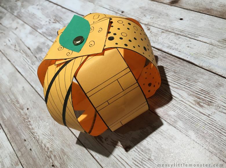 Halloween pumpkin craft for kids