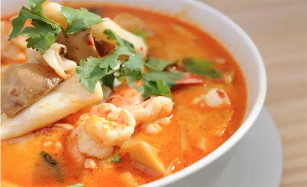 去泰國必吃的十道菜!冬陰功湯