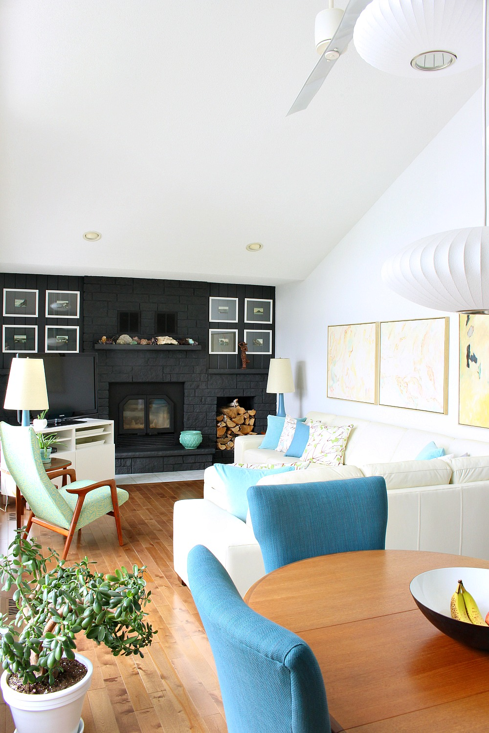 Lake House Living Room Decorated in Turquoise and Blue