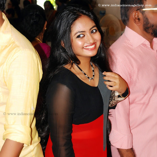 Shalin latest hot navel show at Saranya Sasi marriage Reception