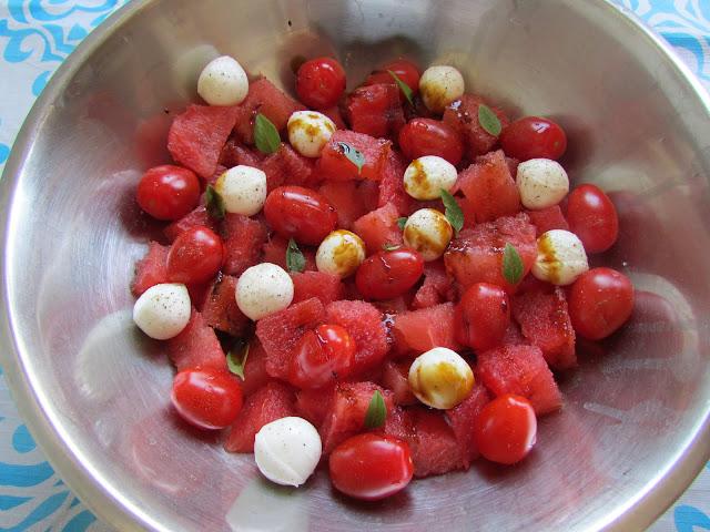 Śródziemnomorska sałatka z arbuza