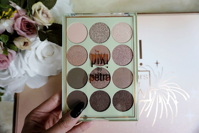 the Eye Reflections Shadow Palette in Natural Beauty