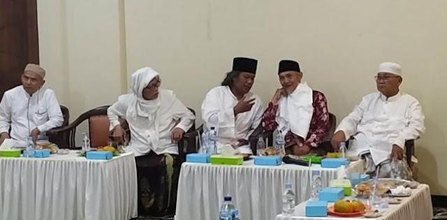 Sowan Kiai-Kiai Jawa Timur, Gus Muwafiq Minta Maaf Dan Bertaubat