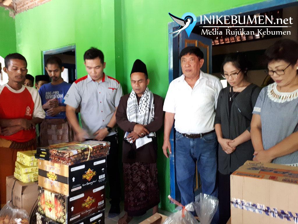 Muncul Group Serahkan Bantuan ke Ponpes yang Menampung Penderita Gangguan Jiwa