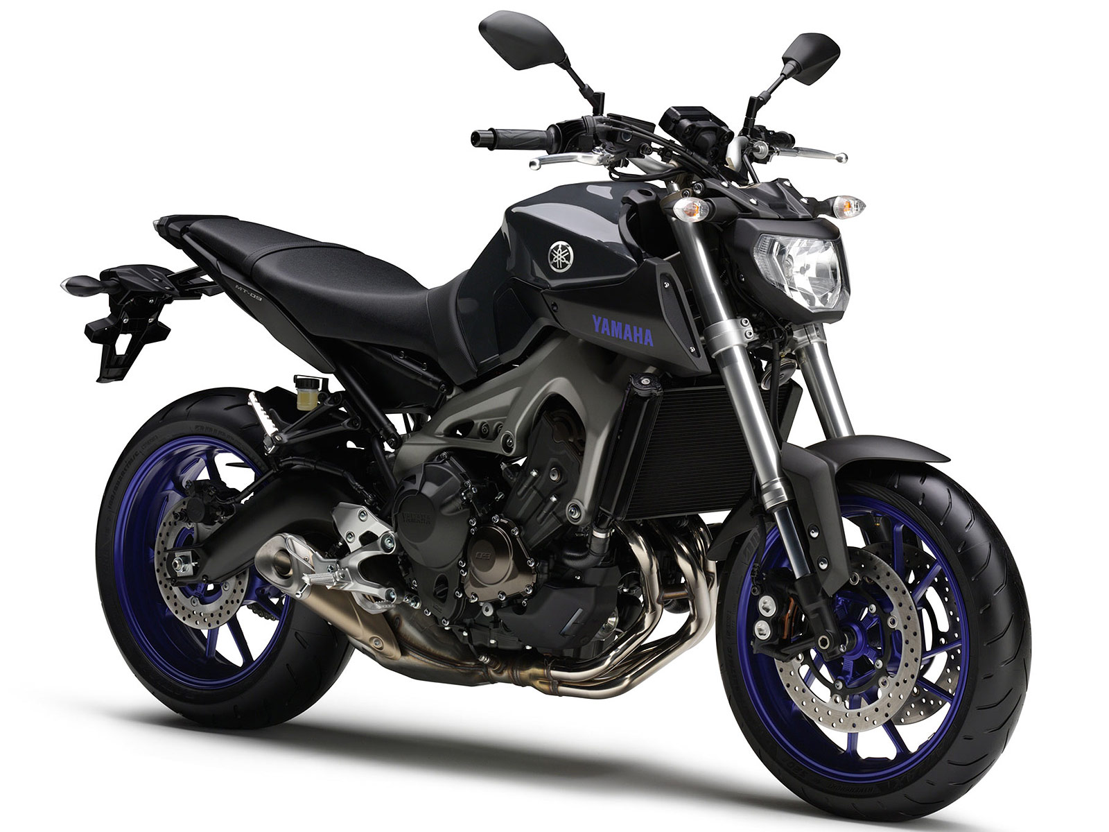 2014-Yamaha-FZ-09-WING8225 - Motorcycle.com