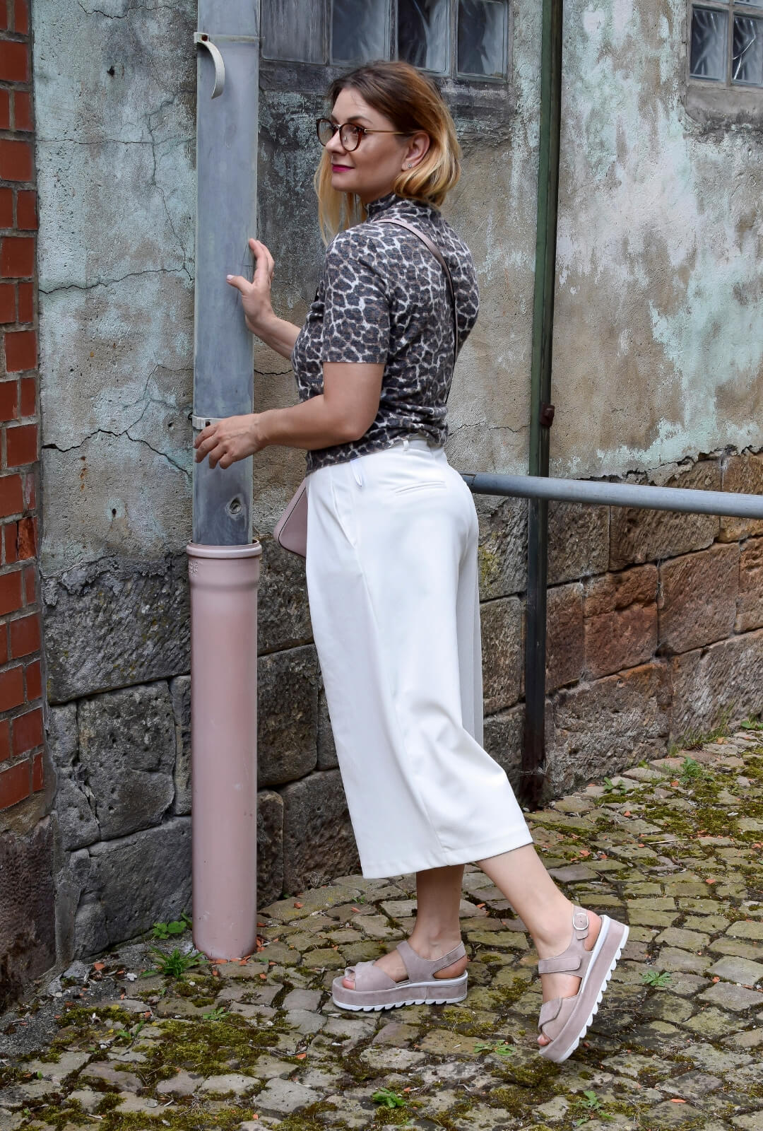 Weisse-Culotte-kombinieren-Outfit-Sommer