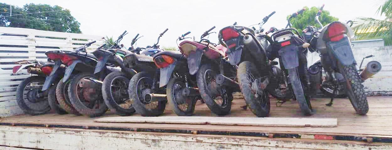 Polícia Militar de Mata Roma apreende diversas motos roubadas e encaminha para Delegacia de Chapadinha.