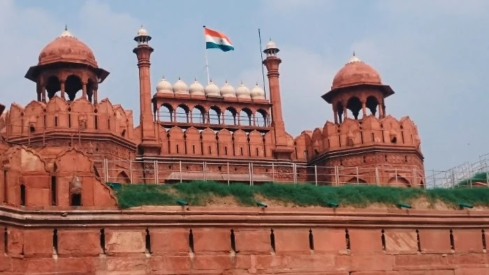 Lal Kila Delhi (Red Fort) - History and Guide