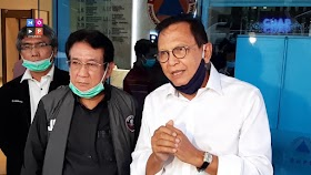 Peduli Tim Medis, Anwar Fuady dan Roy Marten Turun Langsung Beri Bantuan APD