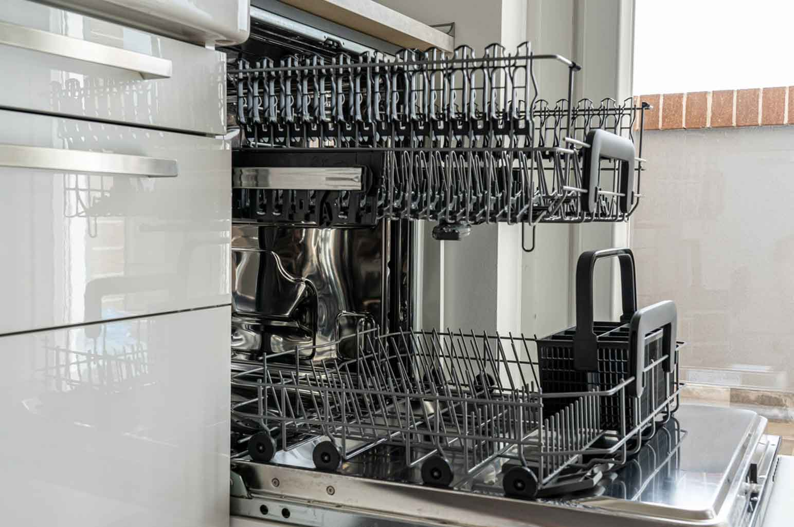Essential Home Appliances Everyone Should Own