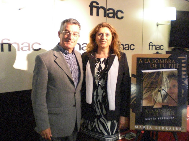 """El Blog de María Serralba - Presentación """"A la sombra de tu piel"""" Fnac Alicante"""