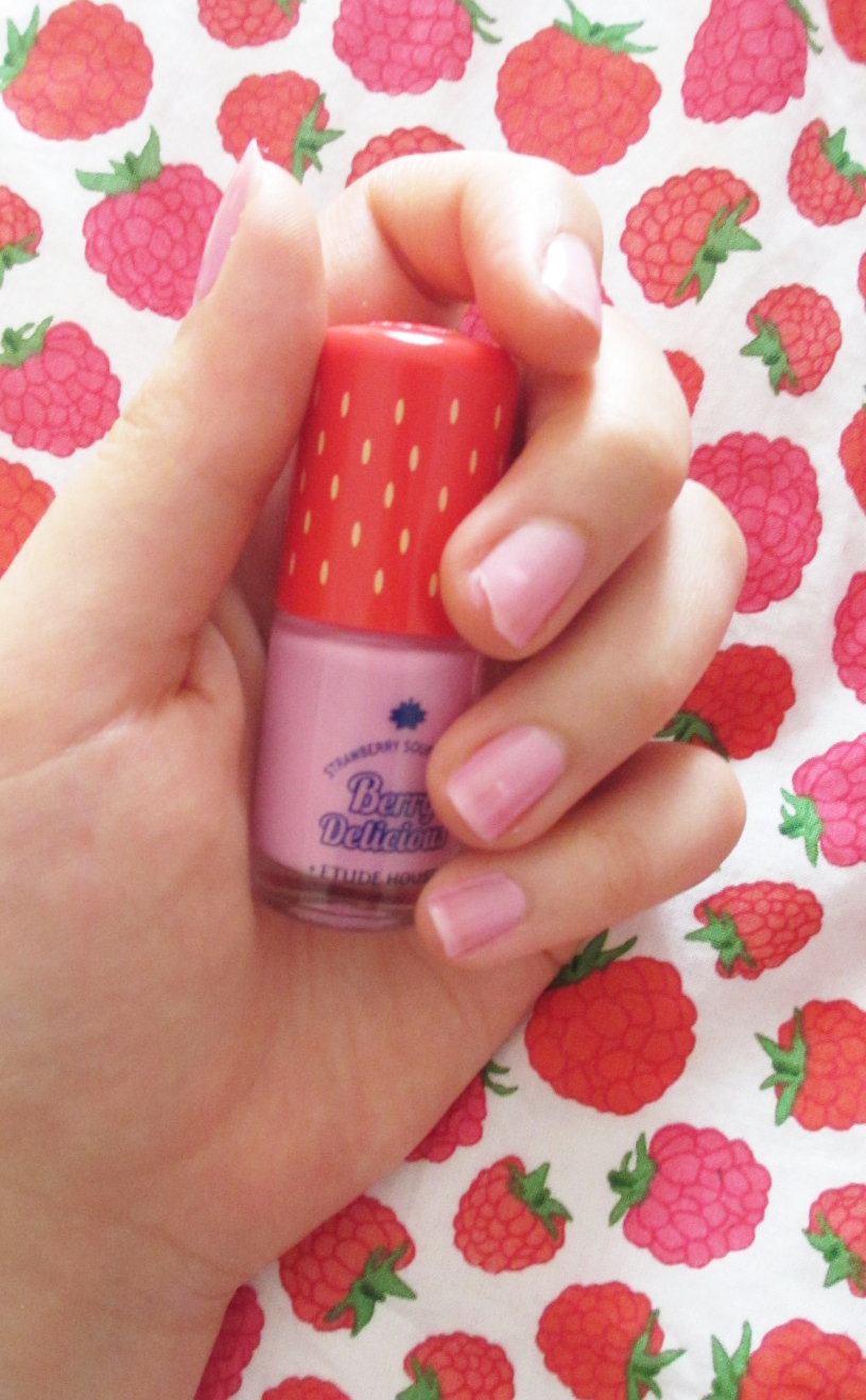 Delicious Nail Designs: Rosalie & Violetta: Etude House [Berry Delicious] Play