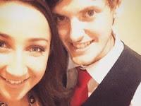 Senzatetto aiuta una coppia di fidanzati e cambia completamente la sua vita