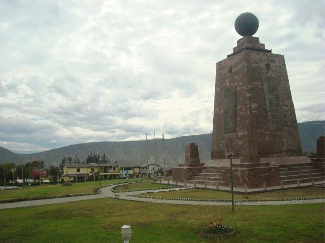 Ciudad Mitad del Mundo - Quito Ecuador