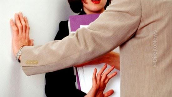 mantida justa causa trabalhador tentou beijar