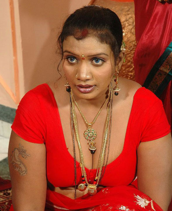 Tamil Mallu Aunties Hot Photo Wallpapers Pundai Pictures