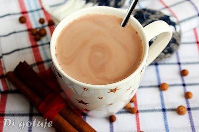 Kakao na mleku z cynamonem