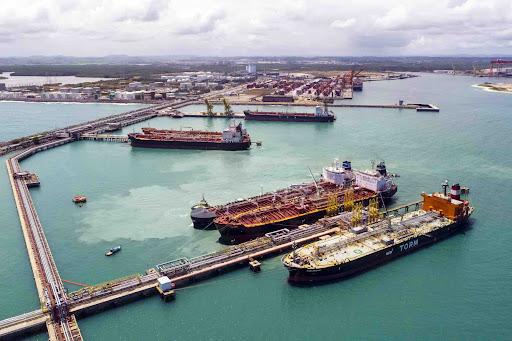 Terminal de GNL em Suape atrai interesse de investidores