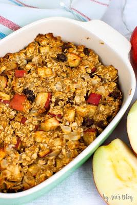 Apfel-Zimt Oatmeal Bake in der Auflaufform zum Frühstück oder Kaffee.