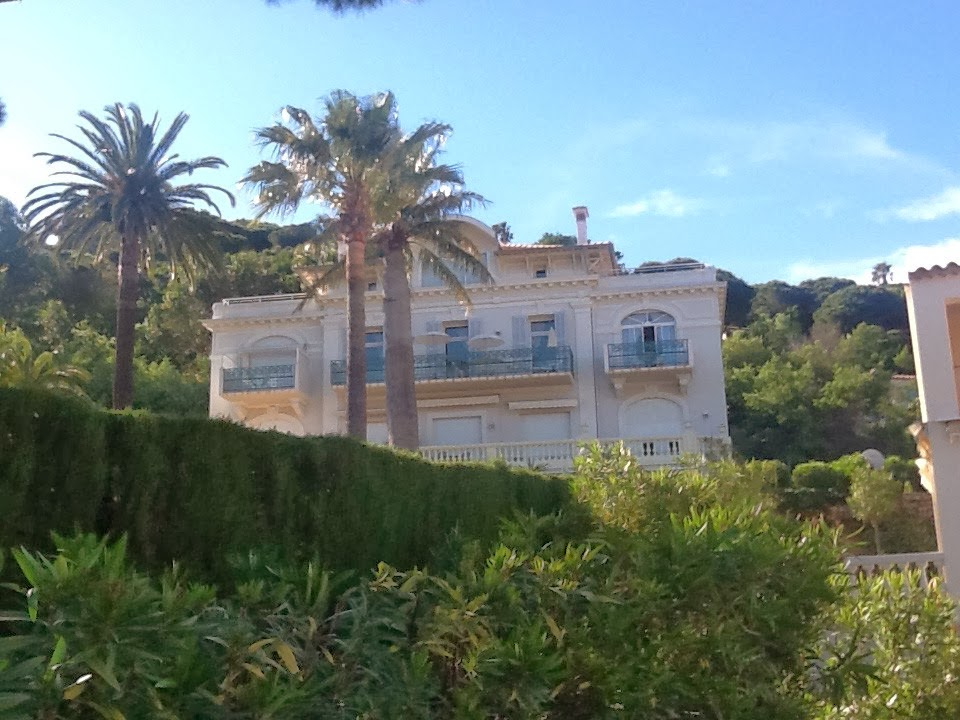 Rent Sea-View Luxury Apartment in Sainte Maxime
