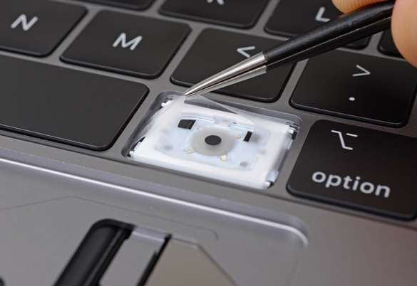 Apple Confirmed That The New MBP Keyboard Has Membrane That's Designed To Prevent Debris From Entering It