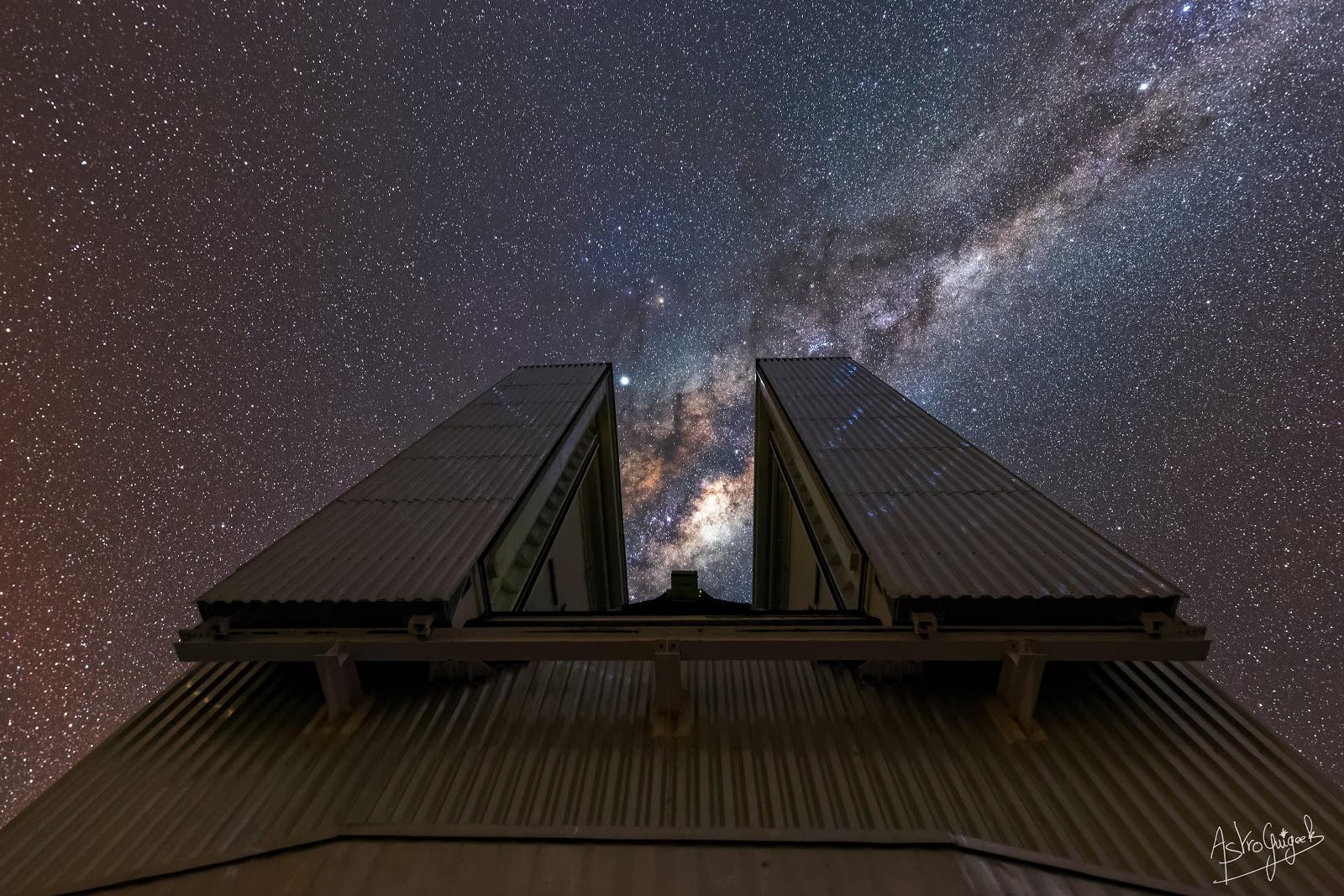 Télescope NTT sur fond de voie lactée
