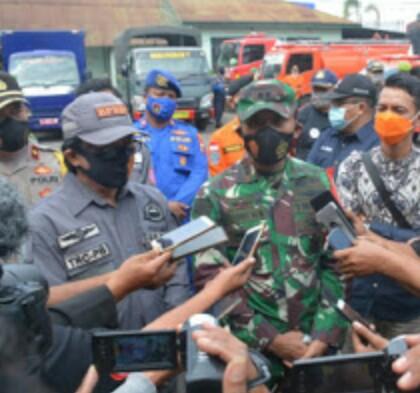 Apel Kesiagaan Bencana Alam Plt Bupati Kyai Muqid Hadir di Halaman Mahkodin 0824 .